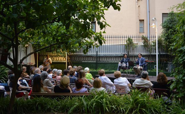 Traviata al jardí de l'Ateneu