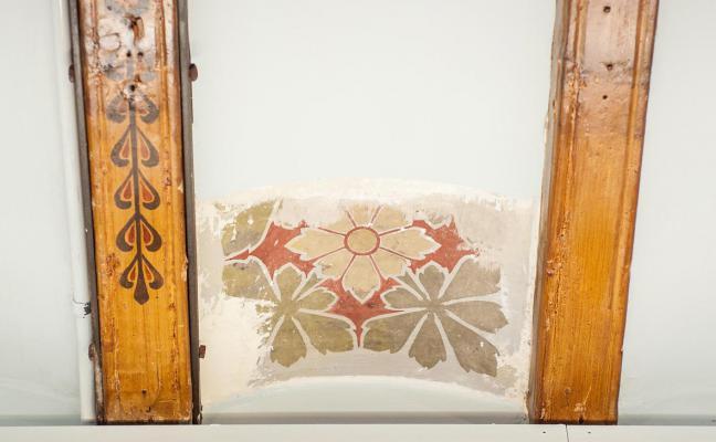 Fragment de les pintures al sostre de la sala Pompeu Fabra
